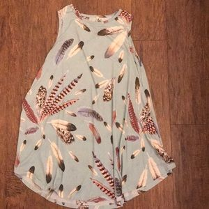 CUTE FEATHER PRINT TOP
